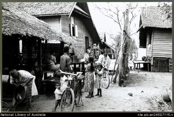 Pom 1920s