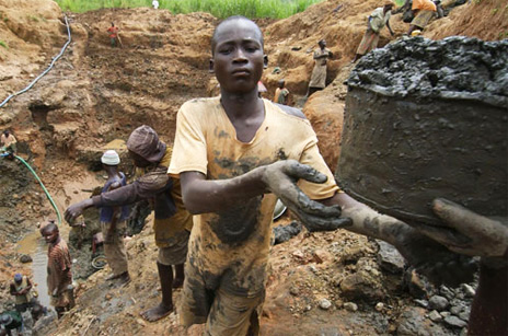Congo-gold-miners-total-20000-at-AngloGold-Ashanti-mine-in-Mongbwalu-by-CAFOD1