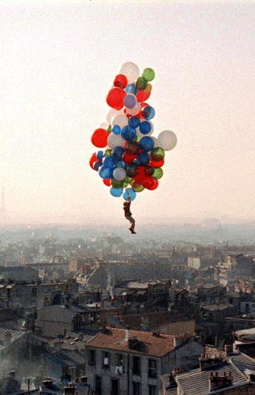 Pascalredballoon-flying