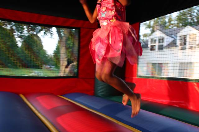 Bouncing fairy feet